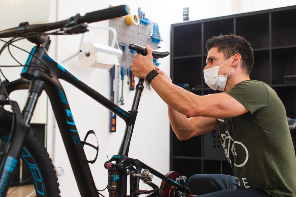Biomeccanica e regolazione meccanica della bicicletta